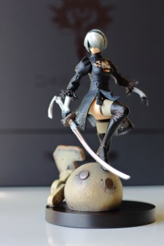 Notre unboxing de l'Édition Collector Black Box de NieR: Automata !