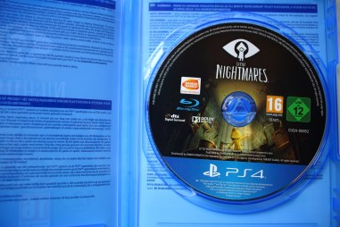 Unboxing de Little Nightmares Six Edition