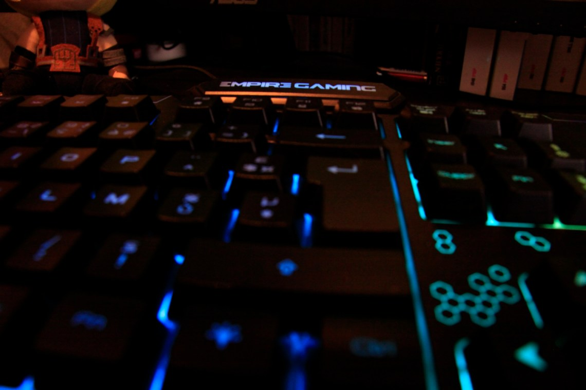 test du clavier Empire Gaming K900
