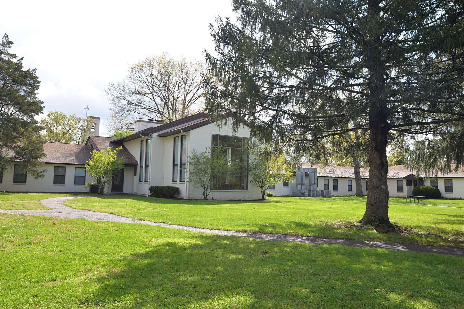 Arrupe retreat house jesuit spiritual center at milford for Retreat house