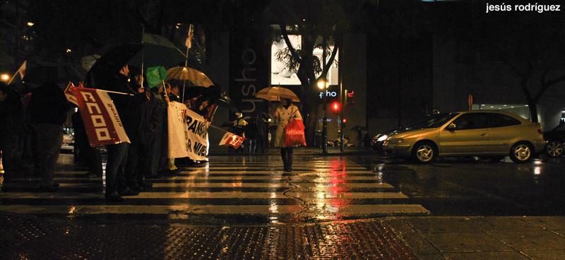 Manifestación bajo la lluvia