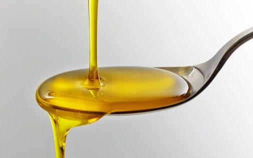 00_Reasons-to-Buy-a-Bottle-of-Castor-Oil-Today_209913937_MaraZe_FT