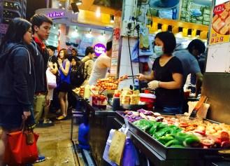 Kowloon night market food