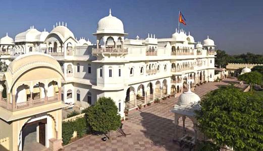 Hotel Alsisar Mahal (left), Hotel Alsisar Nahargarh (right)