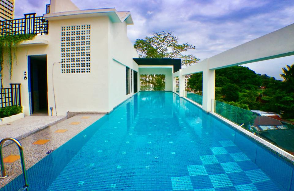 Treasures-Hotel-and-Suites-Melaka-pool