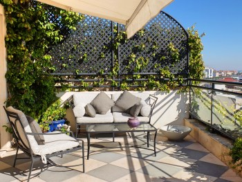 Hotel-As-Janelas-Verdes-sun-terrace