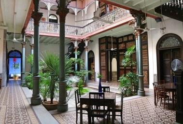 blue-mansion-courtyard-2
