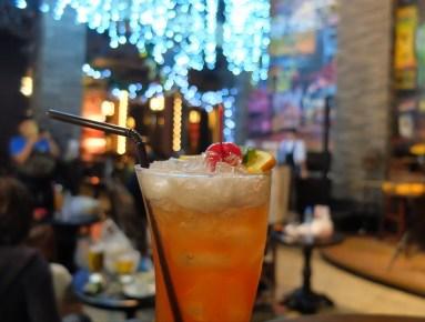 Shanghai-Terrace-Shanghai-Mansion-bar-bangkok