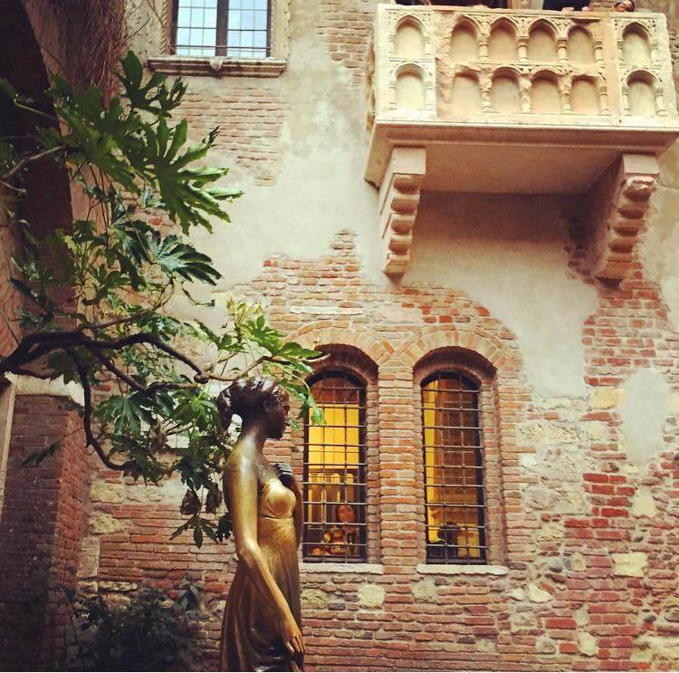 juliette-balcony-verona
