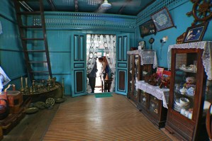 Kampung-Morten-house-interior