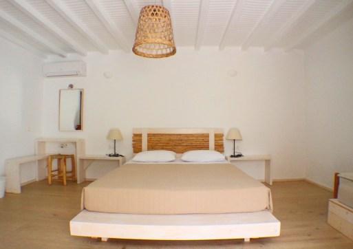 Baba Houlakia room 1