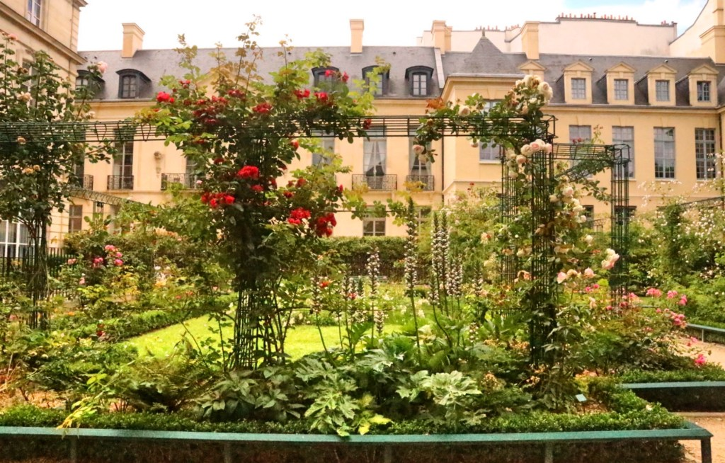 Square Saint-Gilles du Grand Veneur