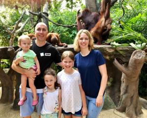 Eating breakfast with the orangutans at the Singapore zoo. Things to do in Singapore