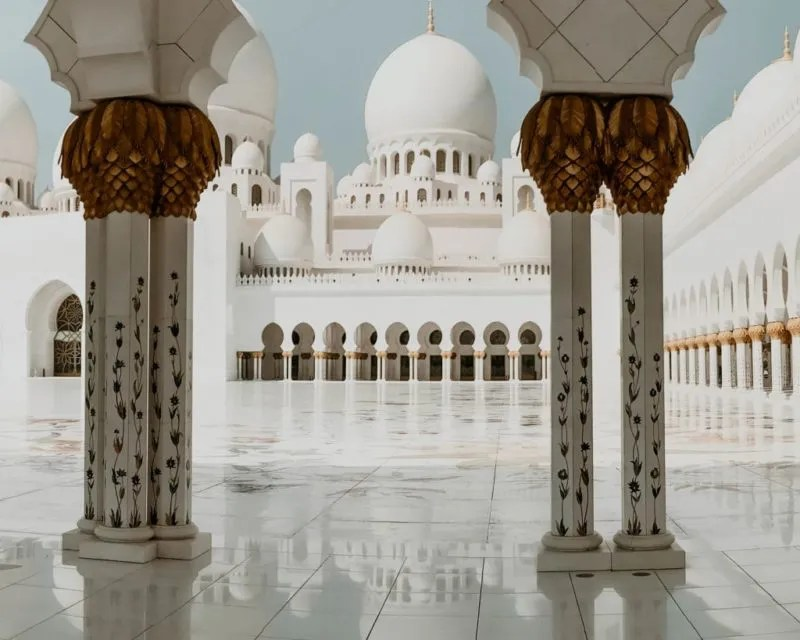 Hallway of Sheik Zayed mosque I saw during my day trip from Abu Dhabi from Dubai