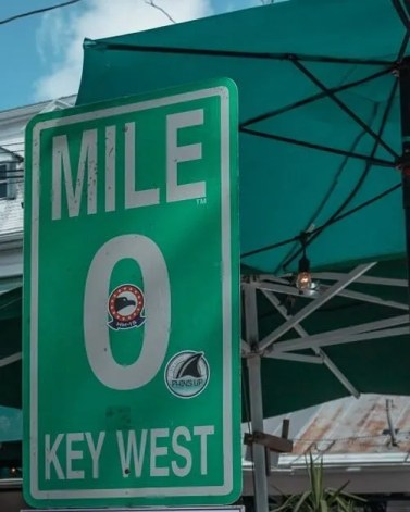 Picture of the Mile Marker 0 Key west sign.