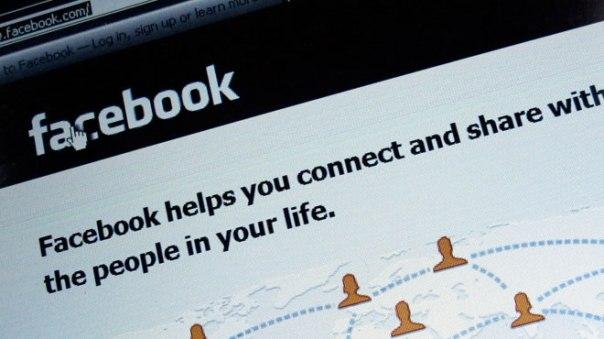 Facebook-Login-Screen-on-Computer