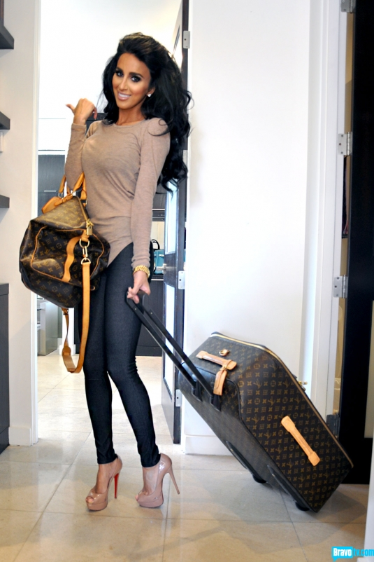 Jetset Babe with Louis Vuitton Luggage