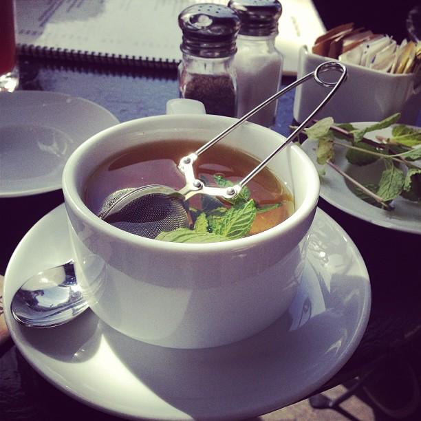 Green tea with mint & honey