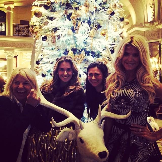 Christmas Jetset Babes