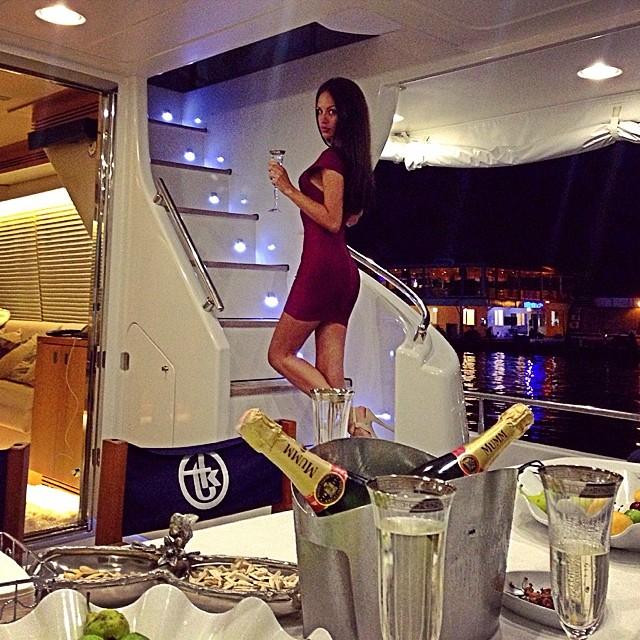instagram.com/natashamankovskaya