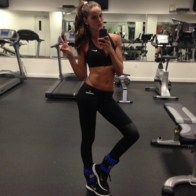 Iza Goulart Work Out