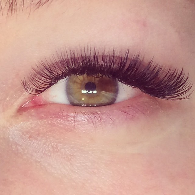 Russian Volume Eye Lash Extensions