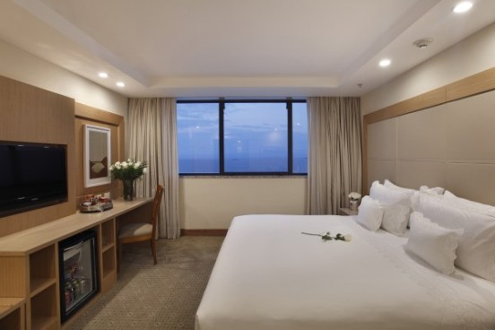 Room image taken from WindsorAtlantica.com
