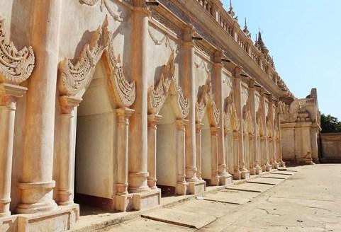 Biking in Bagan, temple hopping 1