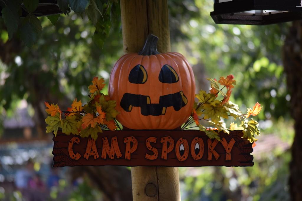 Knott's Berry Farm Camp Spooky