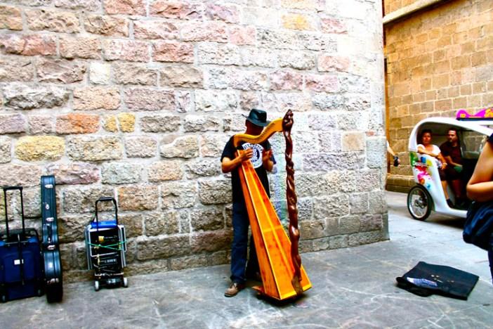 barcelona spain accordian