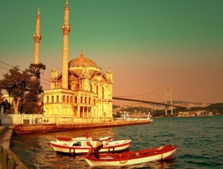 The bazaars, the mosques, the water. These are magical ingredients that make Istanbul a place for lovers and romantics.