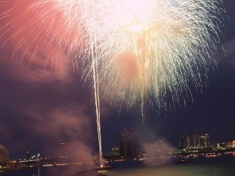 Attend a fireworks festival (summer only) – Or, hanabi. During summer months, Tokyo is literally filled with fireworks festival on a weekly basis where locals dress in yukatas to look at fireworks in designated locations throughout the city. It gets crowded but it's an extremely local and extraordinary experience. (Photo credit: Flickr/KetaiBlogger)