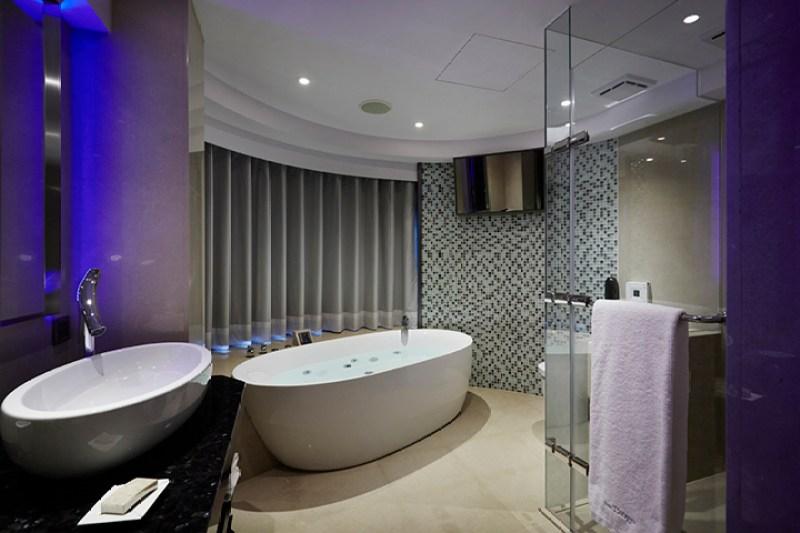 Tango Hotels Bathroom