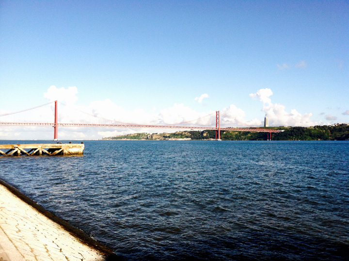Lisbon deabril bridge