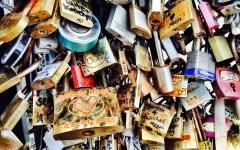 Paris love locks bridge 1