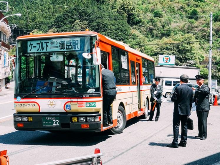 Flickr Dick Thomas Johnson tokyo bus