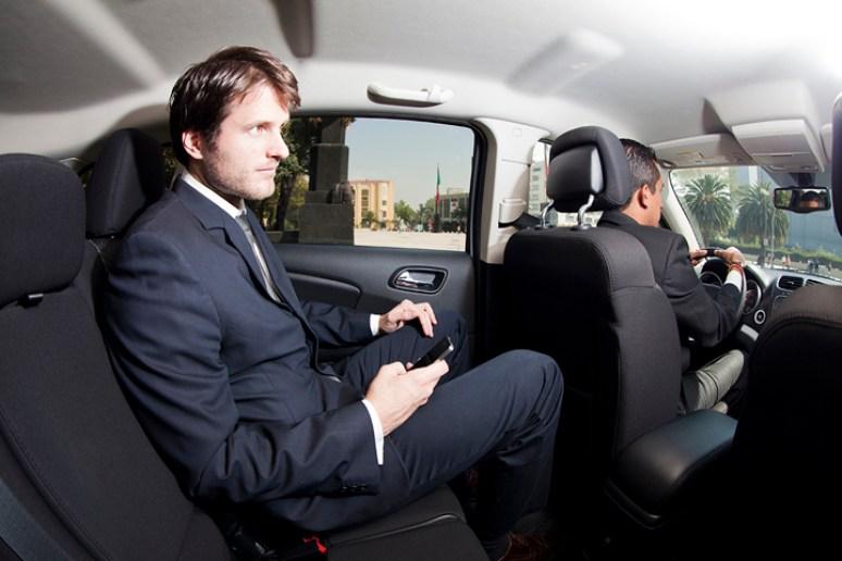 3 DotTransfers private car