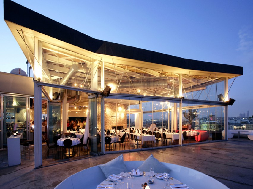360 Istanbul Turkey restaurant exterior