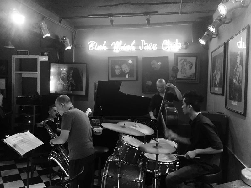 minh-jazz-club-hanoi-vietnam-2