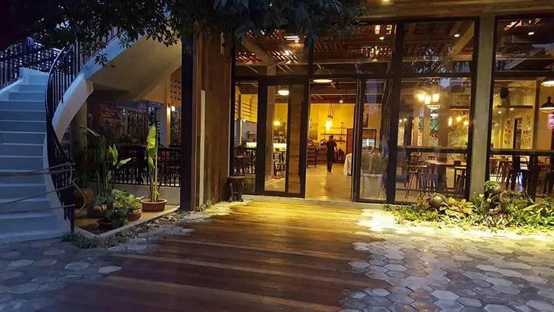 Lmut tum ល្មុតទុំ Restaurant