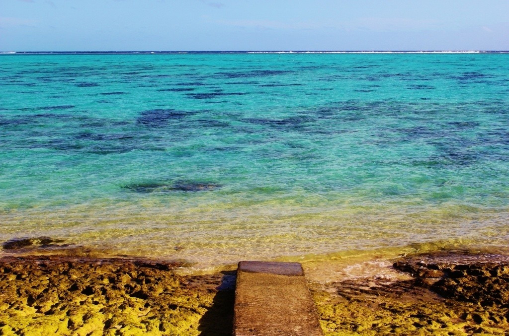 Clear blue water, Moorea, French Polynesia