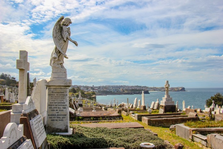 Angel statue at Waverley Coogee Cemetery in Sydney, Australia