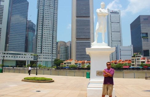 Statue of Sir Stamford Raffles at historic landing in Singapore
