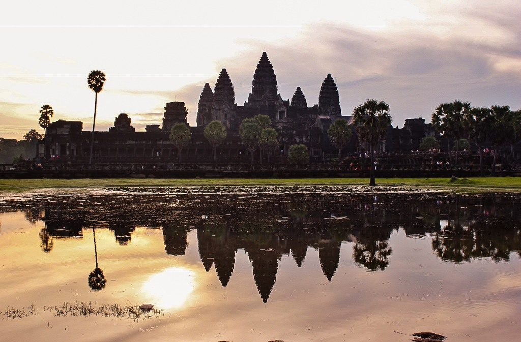 An Angkor Wat sunrise over Left Pool