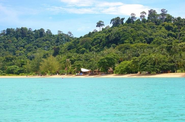 Sandy beach on Koh Ngai in Thailand