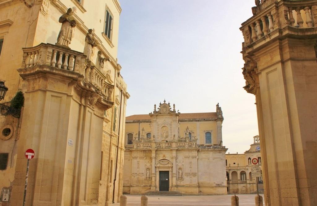 Entrance into Piazza del Duomo
