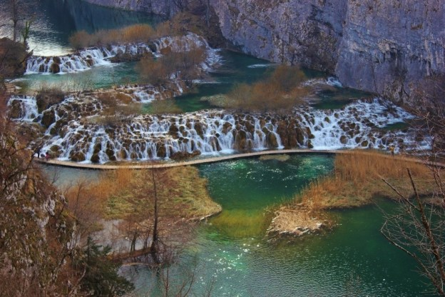 Plitvice Lakes: View from the falls from the eastern edge of the canyon