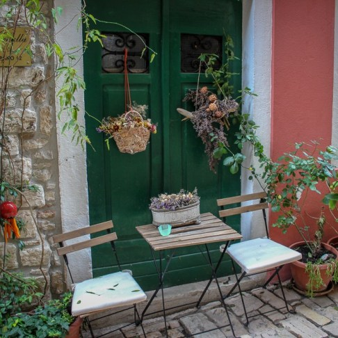 Laneway table and chairs in Rovinj, Croatia