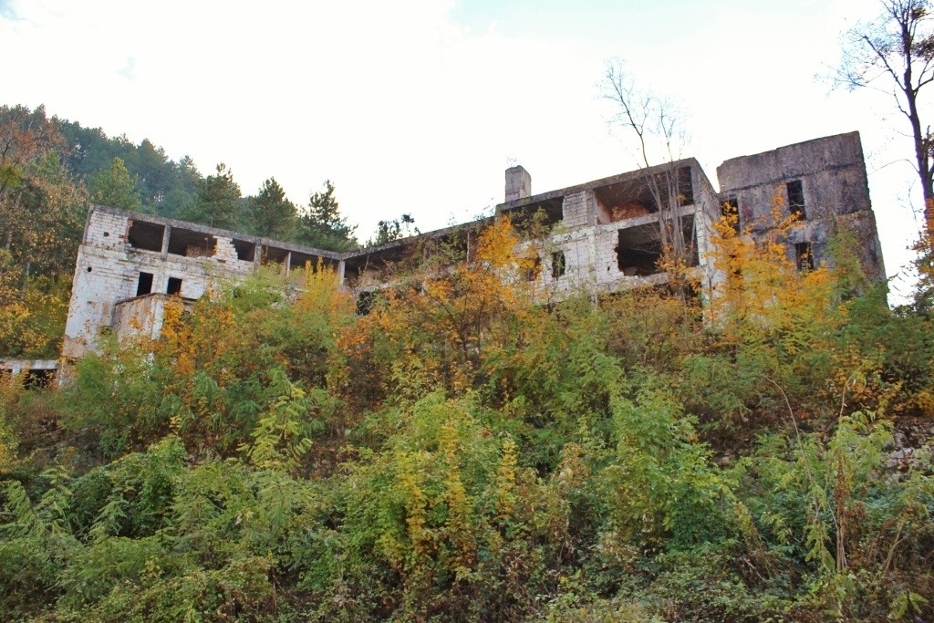 An abandoned hotel in Sarajevo