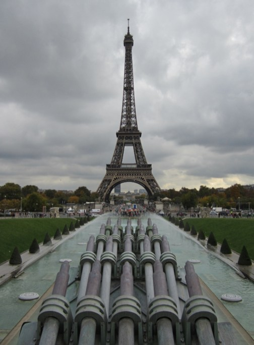 15-Day London Paris Rome Itinerary Paris Eiffel Tower on a cloudy day